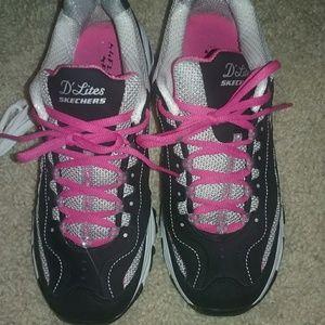Skechers Shoes - Black Sketchers D'Lites sneakers